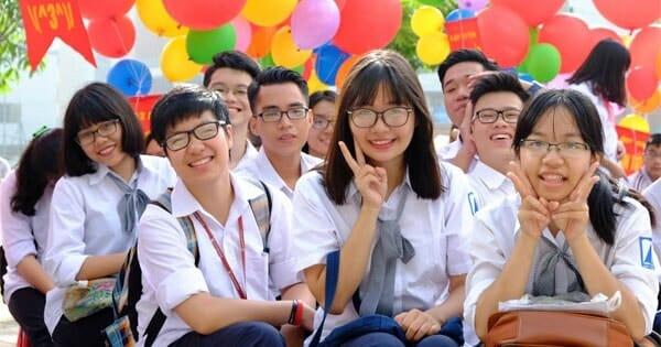 Học sinh trung học phổ thông