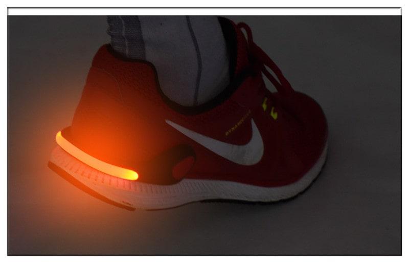 Đèn giầy gắn gót chân giầy