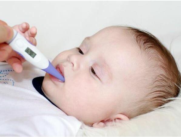 Trẻ bị sốt co giật có ảnh hưởng đến não không