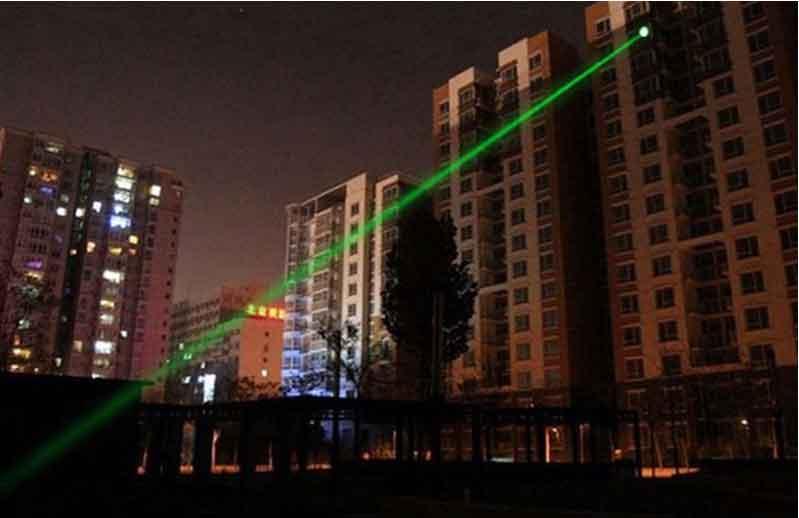 Mua đèn pin laser